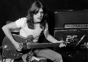 MALCOLM-YOUNG-ACDC